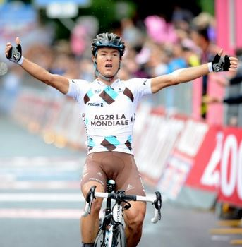 Carlos-betancur-wins-paris-nice-stage5